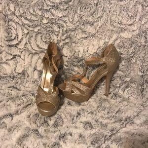 Sparkly Gold High Heel Stilettos 👠